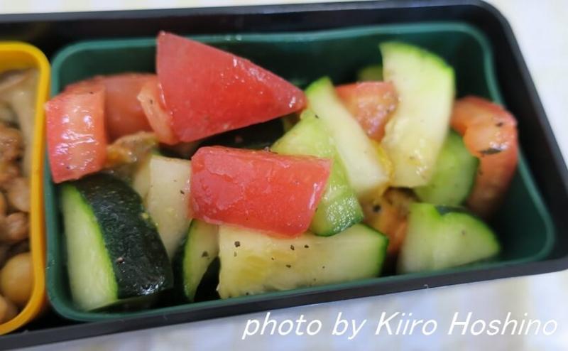 お弁当、2016-7-14、ズッキーニときゅうりサラダ